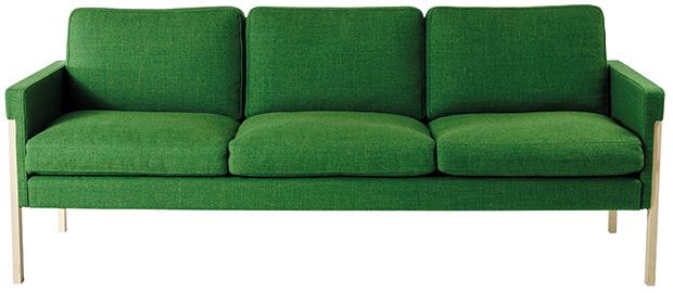 Tingstäde soffa i knallgrön färg från G.A.D. Möbler.